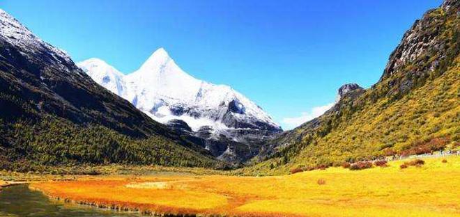 西藏进入秋冬旅游季 专家提醒游客进藏注意事项
