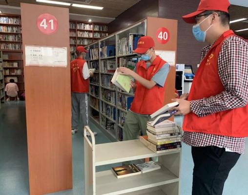 许昌团市委组织返乡大学生开展志愿服务
