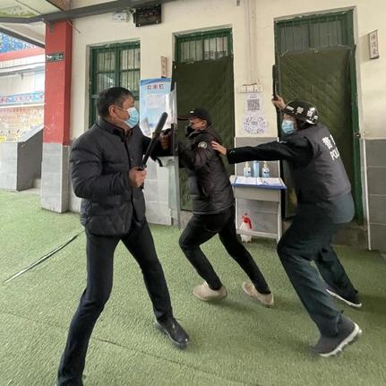 开封顺河区第三实验小学开展反恐防暴应急演练