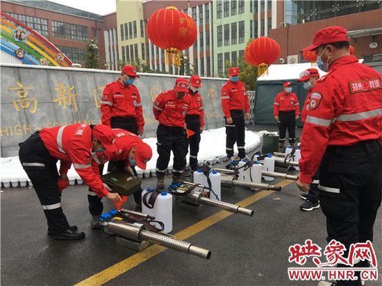 郑州高新区外国语小学开展校园全面消杀工作
