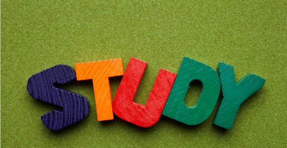 中小学英语主科地位该取消吗?