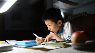 管理好学生作业 要先保障教师教学自主权