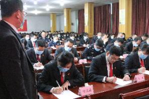 许昌市魏都区法院:院长监考促学习 以考促学见实效