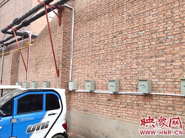 """告别""""飞线""""充电 商丘宜兴社区安装150多个充电桩"""