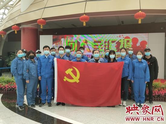 郑州自来水公司西区水务组织参观河南省扫黑除恶专项斗争成果展