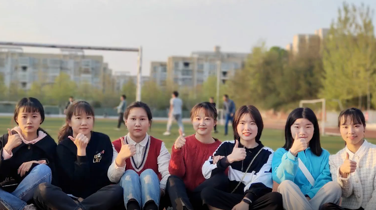 美女学霸宿舍7人全部考上研究生 :相互鼓励比着学