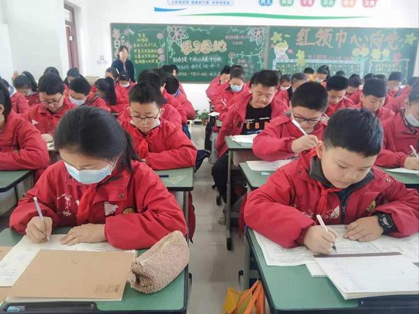 第二十七小学:以月考为抓手 提升教学质量