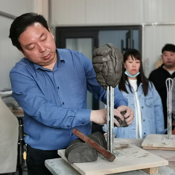 宝丰县汝瓷烧制技艺公益课堂开课