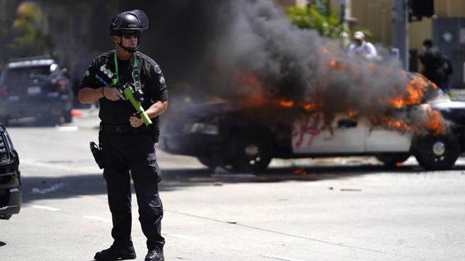 弗洛伊德案宣判在即!美国加州比佛利山庄市警局提高戒备