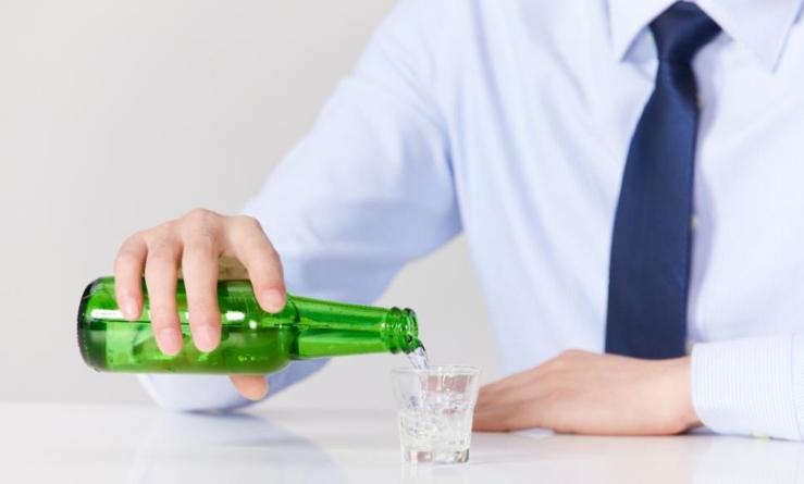 研究证实:丈夫孕前饮酒增加子代出生缺陷风险