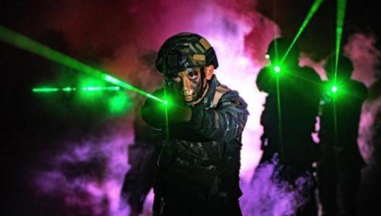 武警广西总队贺州支队开展夜间反恐演练