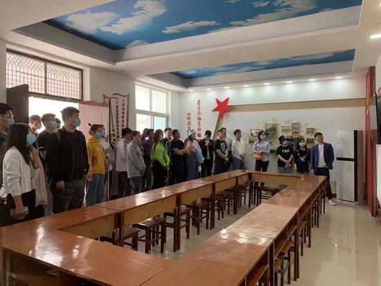 郑州自来水公司组织团员青年学习焦裕禄精神