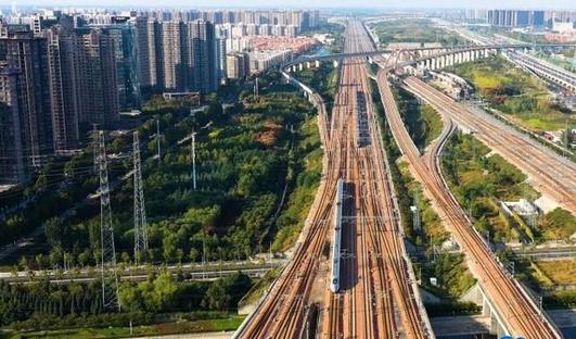 """这个""""五一"""" 郑州铁路累计发送旅客332.3万人"""