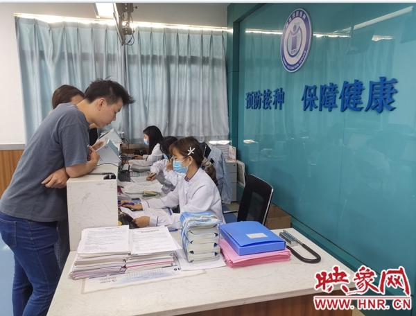 光山县新冠疫苗大规模人群接种工作全面启动