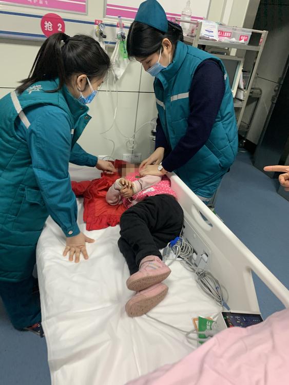 """郑州铁骑交警上演了一场""""生死时速""""实..."""