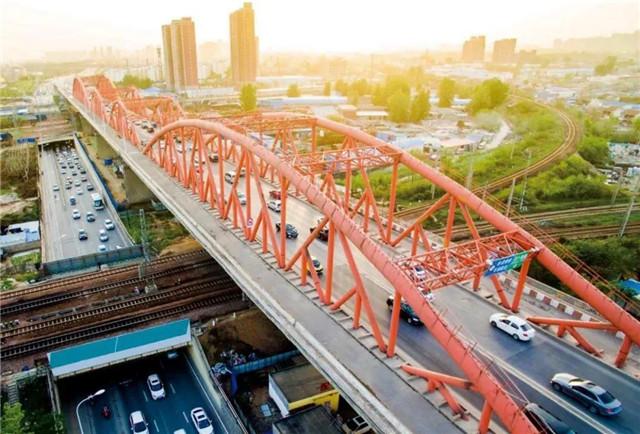 """""""亚洲第一跨""""郑州北环彩虹桥10月26日起封闭"""