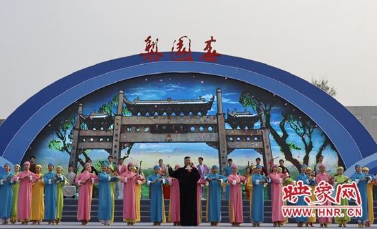 河南宝丰县曲艺搭台 直播唱戏带货谱写宝丰县电商发展新篇章