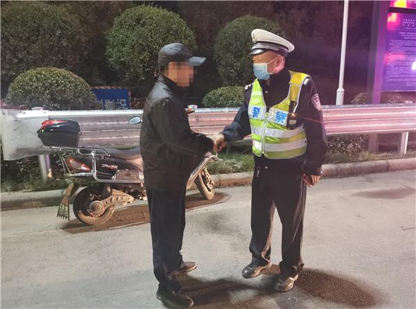 郑州13岁少年骑电车找同学迷路 从陇海路高架直接上了高速
