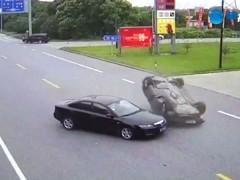 新车借给同事 回来直接报废