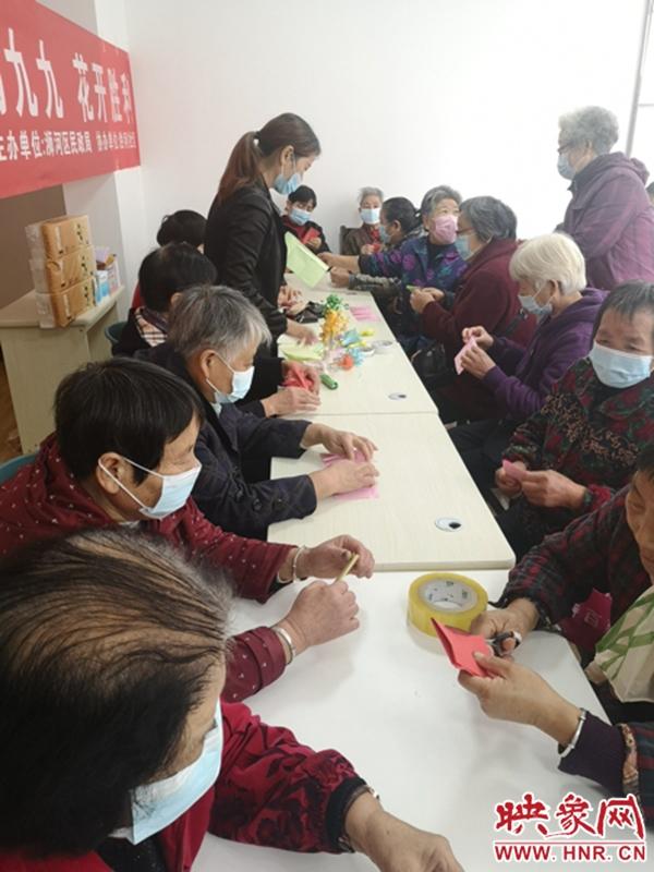 """信阳浉河区:花样折纸 折出老人""""花样人生"""""""