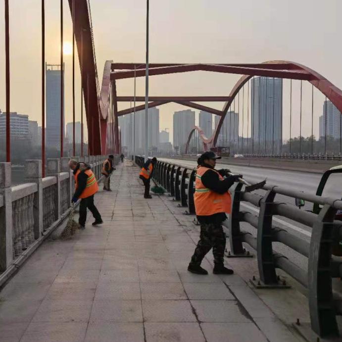 鹤壁市示范区开展107国道综合整治工作