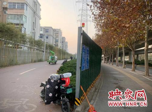 """郑州建设路西三环施工围挡""""围而不建"""" 市民呼吁:早日还路于民"""