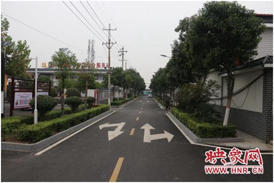 宝丰县:移民新村展新颜