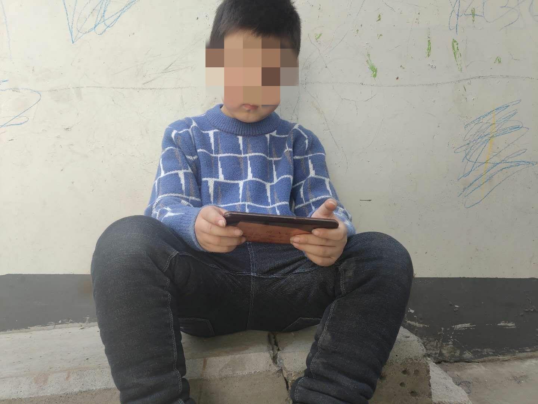 新乡7岁男童玩手游充值1.3万 爷爷治病钱被掏空