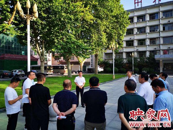 西平县县长现场办公加大棚户区改造力度