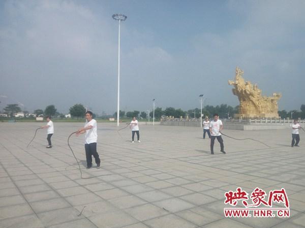 安阳:民族传统体育项目鞭陀走进殷墟景区