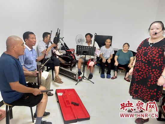 武功乡曹集村:文艺汇演进家门 文化惠民暖人心