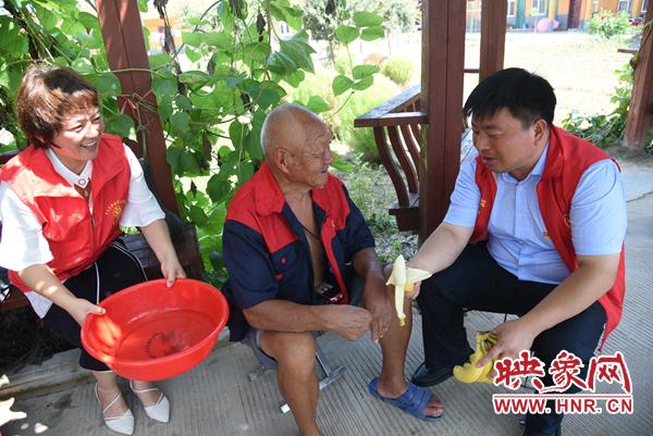 杞县:返乡大学生活跃在乡村 见证日新月异新变化