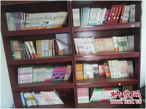 """通许县:农家书屋为贫困户插上""""充电宝"""""""