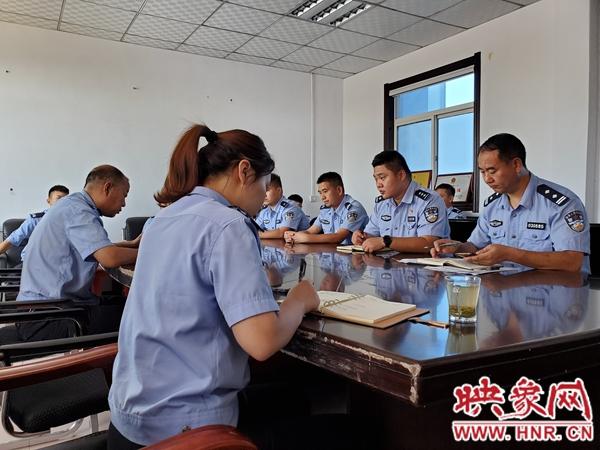 宝丰县公安局到周庄派出所座谈调研