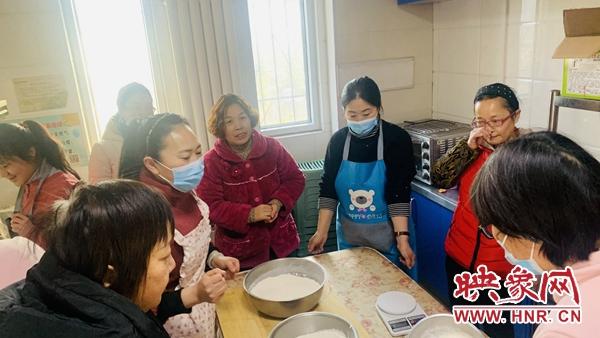 保障饮食多样化 开封SOS儿童村开展面点课程
