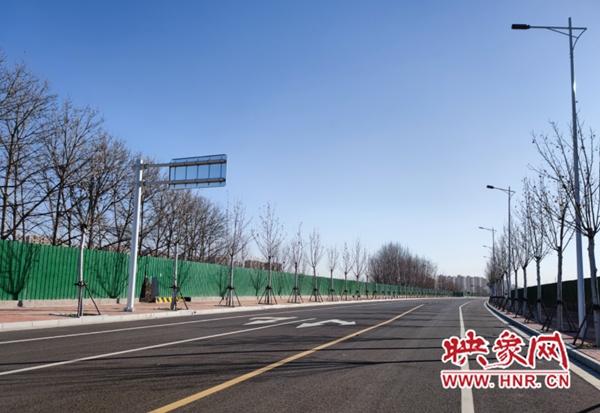 """地铁3号线、4号线通车 郑州市民期待""""零换乘""""社区接驳巴士快跟上"""