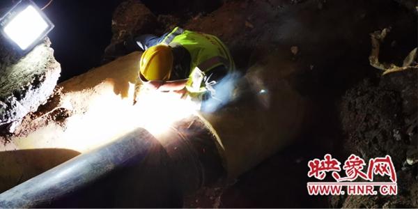 郑州大学路建设路暖气管网漏点抢修工作已完成 温度逐步提升