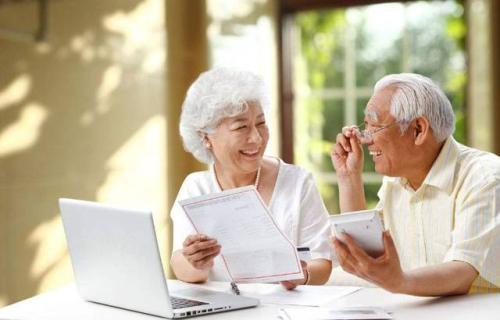 老年商险有效供给乏力 呼吁提质增量