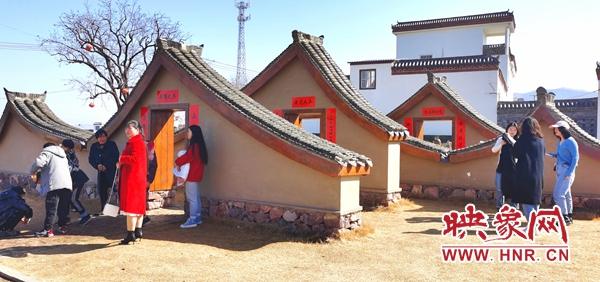 春节期间 嵩县饭坡镇沙坡村游人如织