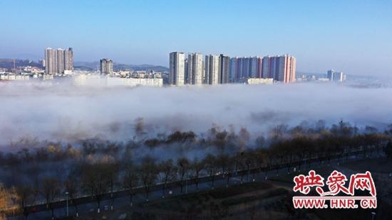 嵩县:雾气缭绕 开启仙境模式
