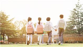 春季学期正常、安全、错峰开学