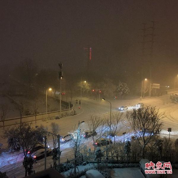 联播pro:河南多地突降大雪 多条高速公路实施交通管制