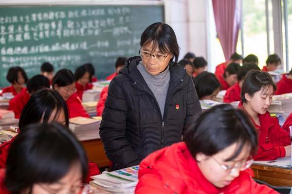 张桂梅:用生命托起大山的希望