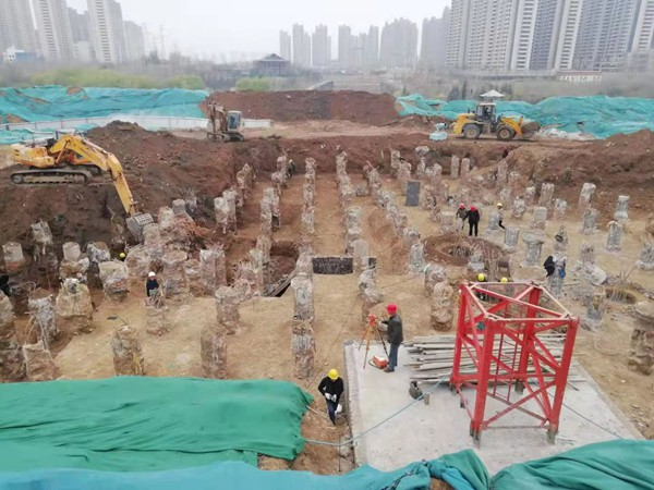 郑州西流湖公园45米高的古式阁楼预计年底前建成