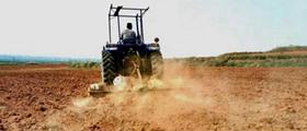 河南泌阳:山区田间地头耕种忙