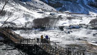 長白山:三月雪景迎客來
