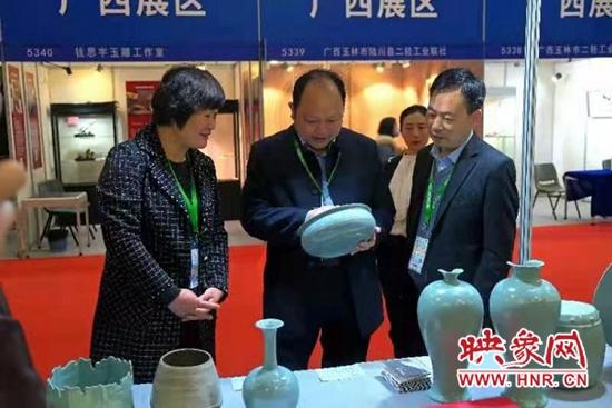 """宝丰县在2021全国""""金凤凰""""创新产品设计大赛上斩获12项大奖"""