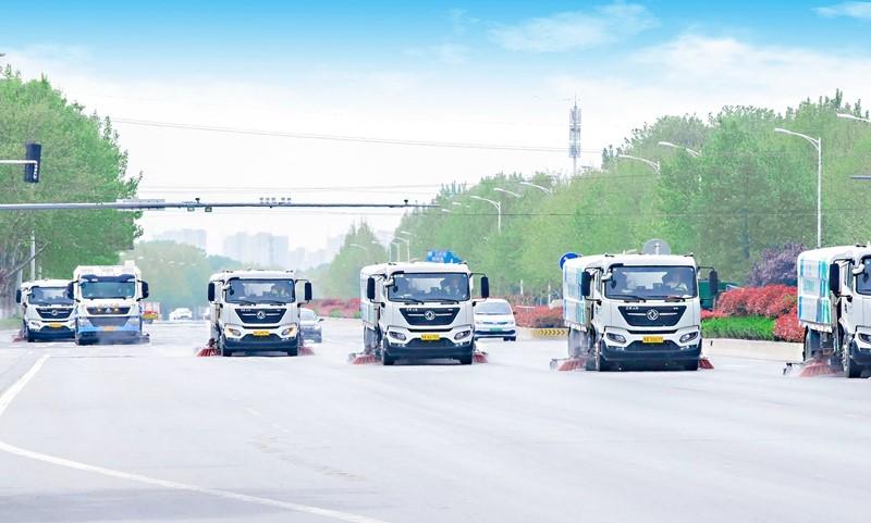 郑开马拉松开赛在即郑州市政不间断维护管养路面 保障赛道干净整洁