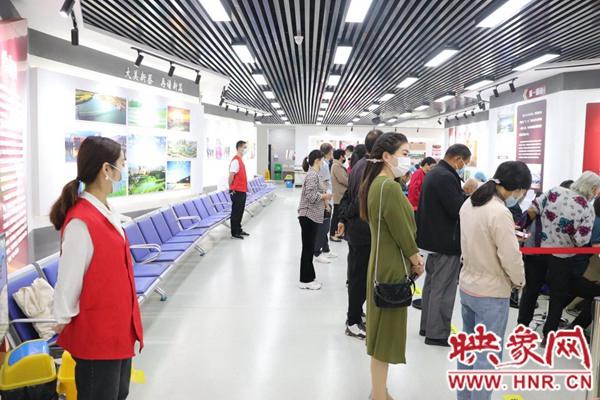 新蔡县财政局组织青年职工开展疫苗接种志愿服务活动