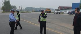 大发dafa888:西城区交警全面排查辖区道路交通安全隐患